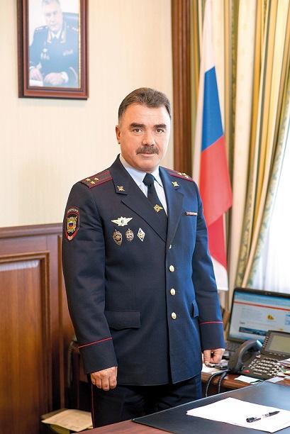 Начальник Управления МВД России по г. Тольятти полковник полиции Хейрулла Ахмедханов задержал злоумышленника